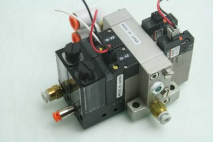 SMC Pneumatic Air Manifold with 2 SMC NZX1 VAK15L0Z D S Vacuum Ejector Valves Used 172196381600 2