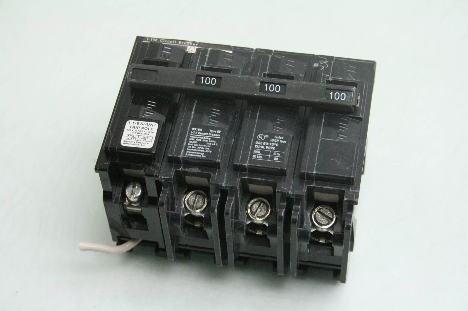 TYPE BR CIRCUIT BREAKER 3 POLE 20 A USED