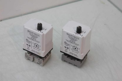 2 Macromatic TR 50224 08 Time Delay Relays 06s 60s Range with Socket Bases Used 172125096861 2