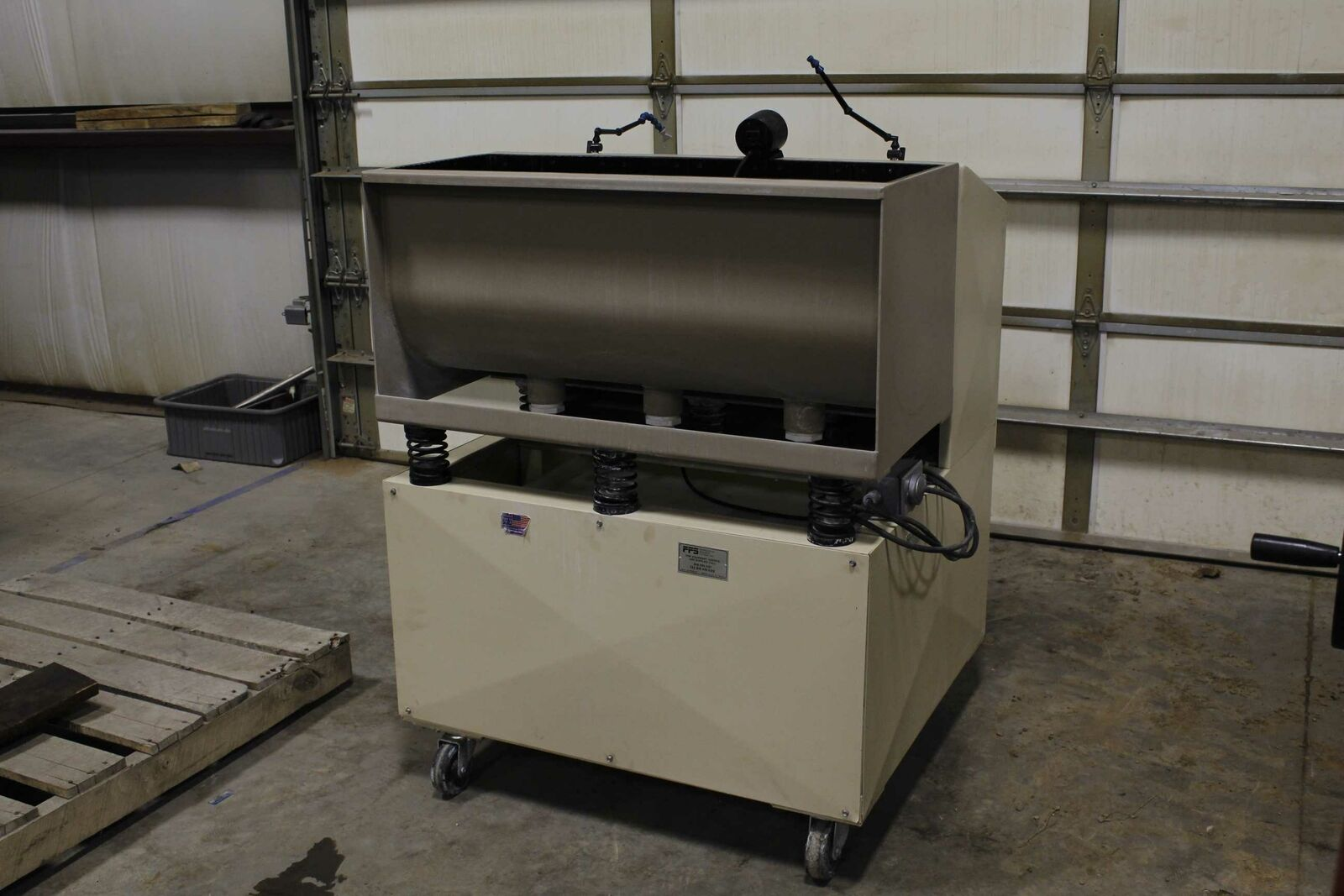 PFS 300WT Vibratory Deburring System Industrial Tumbler with Media - Used