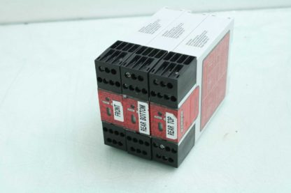 Lot of 3 Banner UM FA 11A Safety Relays 250mA 250V 6A Used 183148604264