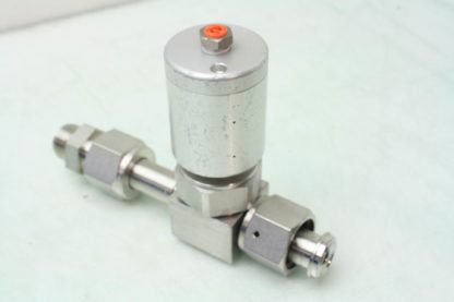 Swagelok 6LV DFFR8 P C Stainless Pneumatic Operated Diaphragm Valve 12 VCR Used 171303599084 8