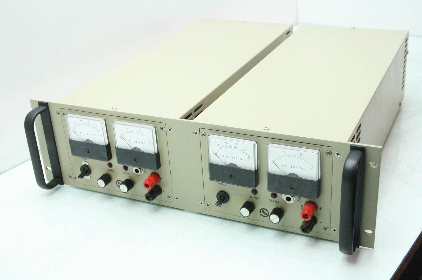 2 Electronic Measurements EM HCR-20-13-110 Power Supply 0-20V @ 0-13A / G-B  - Used