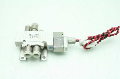 2 SMC SY3120 6LZ C4 F2 Solenoid Valves Used 172887508536 3
