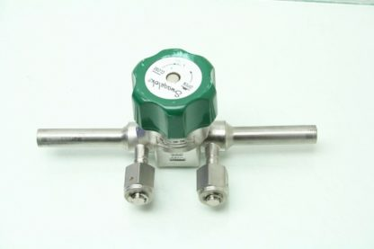 SwagelokNupro 6L ELD8 11BB Cast Body 316SS Gas Diaphragm Valve 12 Ports Used 171599319706