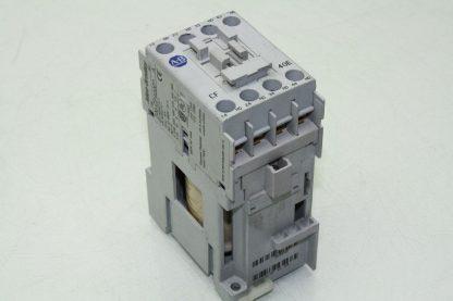 Allen Bradley MCS CF Control Relay 600VAC Max Series A w 24VDC Coil 700CF400D Used 172129101947