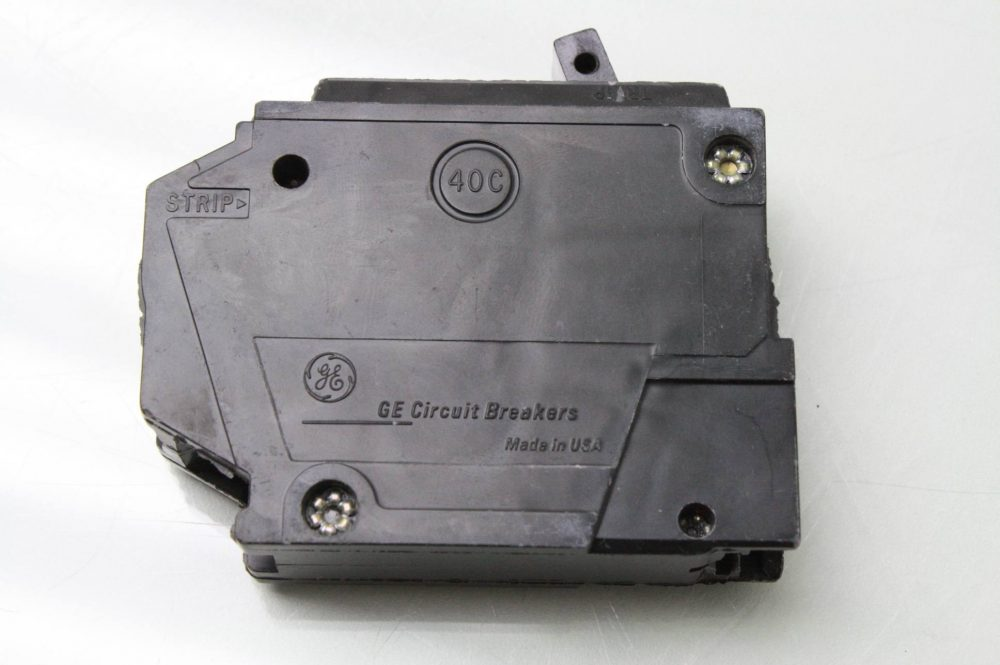Lot Of 3 Ge 1 Pole Circuit Breakers 15 Amps Type Rt