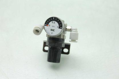 SMC AR1000 M5 Pneumatic Regulator G27 10 R1 Analog Pressure Gauge 0 10 MPa Used 172296092598 8