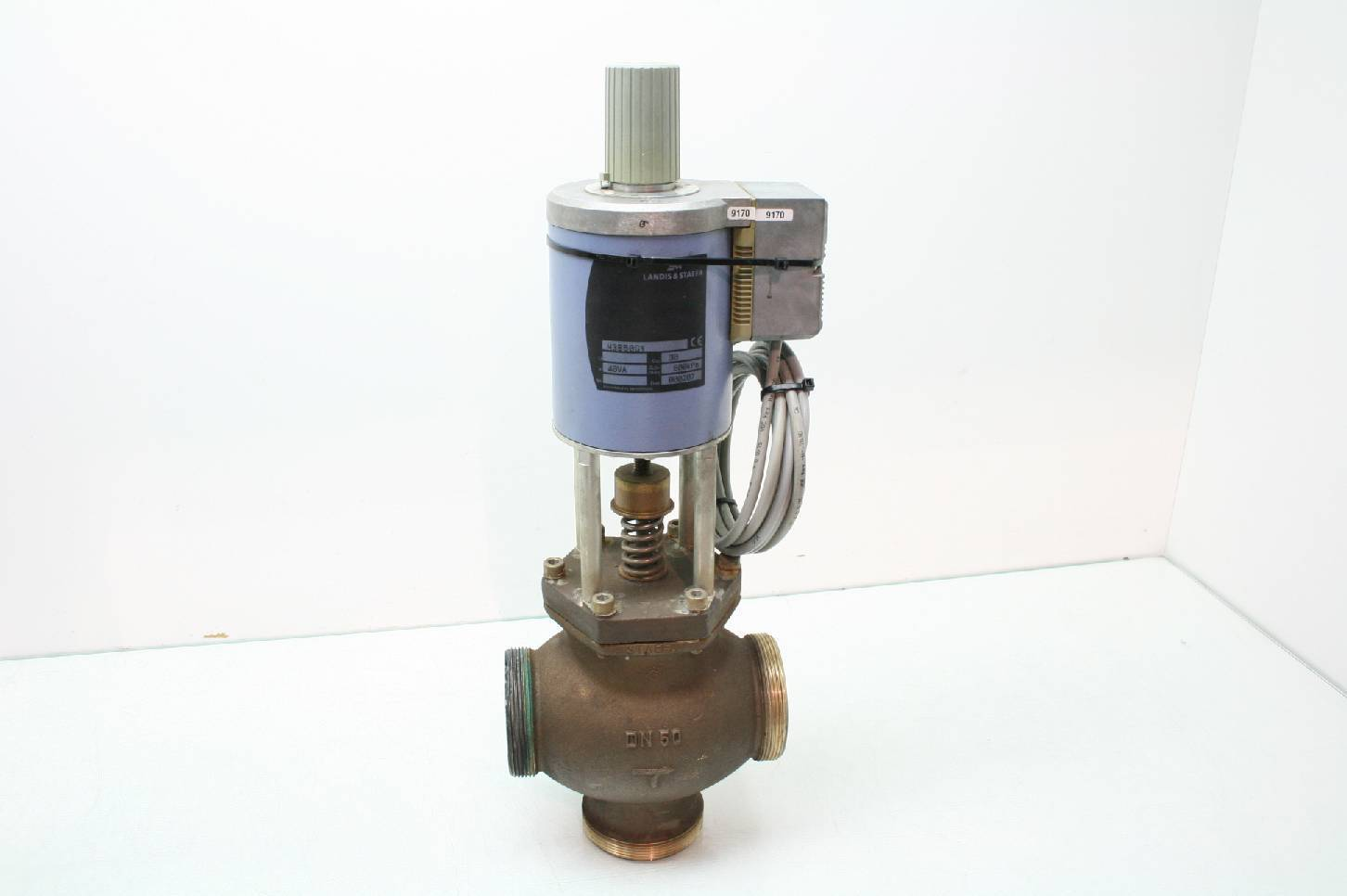 Siemens Landis & Staefa 3MB50GY Valve Actuator 3 Way Valve DN50 Mixing  Valve - For parts or not working